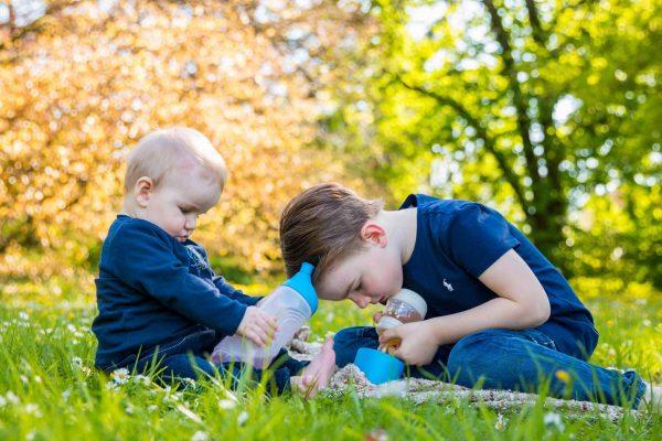 Geschwisterliebe in Osnabrück im Bürgerpark , Herbstfotos , Bürgerpark Osnabrück